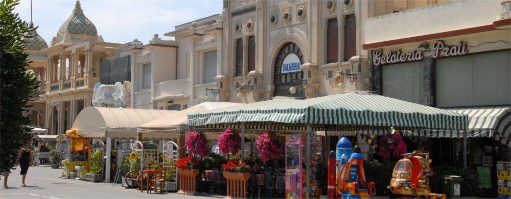 Viareggio: Street scene