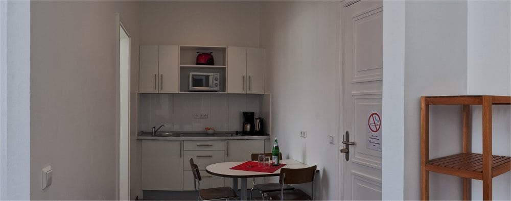 Berlin: Studio kitchen area