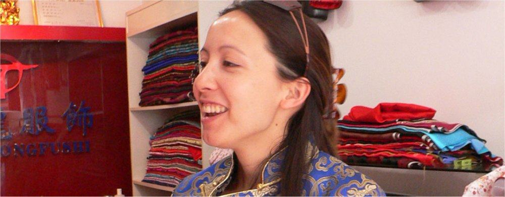 Beijing: Trying on traditional costume