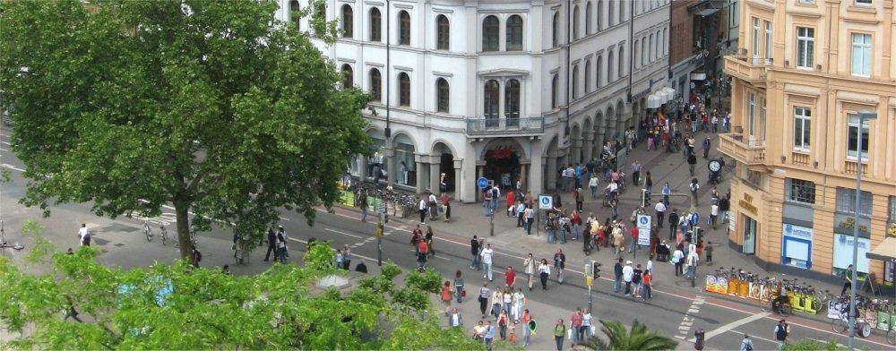 Heidelberg: Ariel view of main shopping street