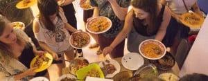 Salamanca: Serving food at meal