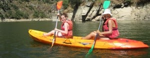 Salamaca: Girls kayaking